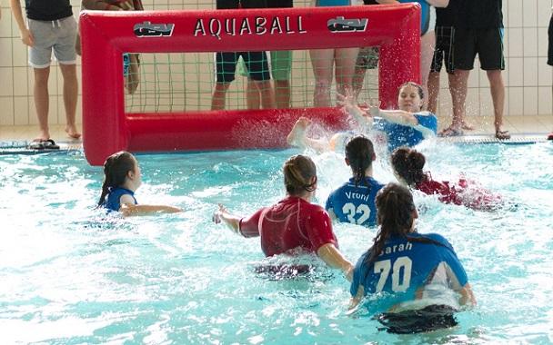 schwimmbad werl bereits in soest war es bei den damen ein spannender dreikampf um die platze und wurde noch nervenaufreibender bunnyhunters bettina sam preise